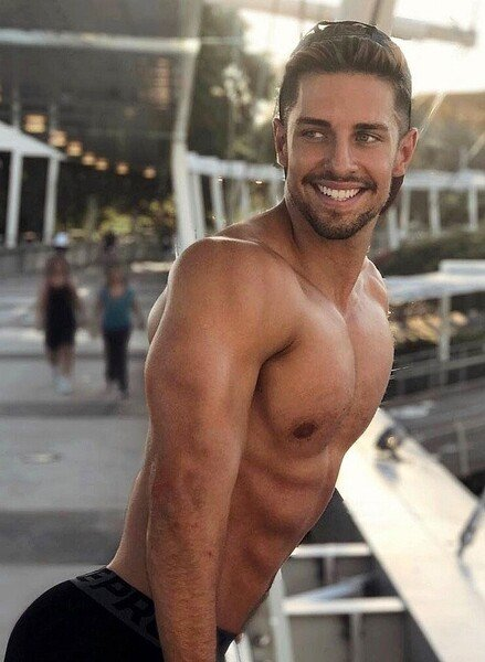 Ryan Greasley (20).jpg