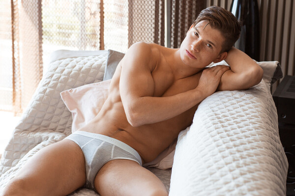 Kian O'Connor 10 briefs relax XL.jpg
