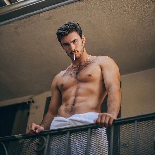 Survivors-Michael-Yerger-literally-smoking-hot-in-nothing-but-a-towel.jpg